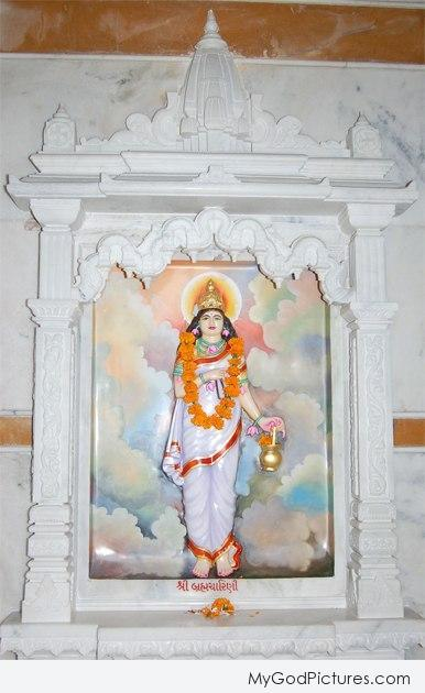 Statue Of Goddess Brahmancharini – Maa Durga Second Avatar