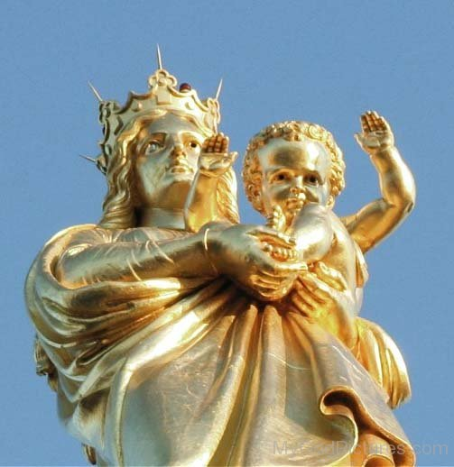 Golden Statue Of Mother Marry With Jesus
