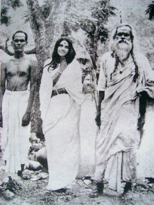 Bhaiji, Ma and Bholanath In The 1930s.