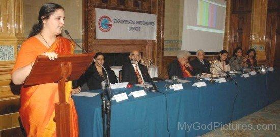 Anandmurti Gurumaa At International Women's Conference