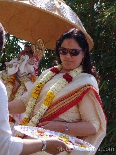 Anandmurti Gurumaa During Event