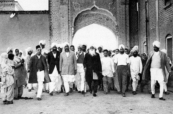 Baba Sawan Singh Ji With Kirpal Singh At Dera