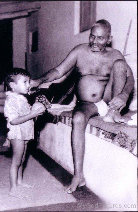 Bhagawan Nityananda Blessing Child