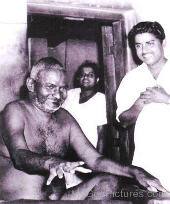 Bhagawan Nityananda With His Devotee