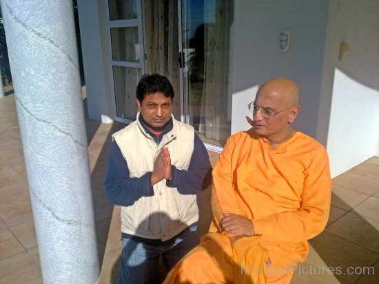 Bhakti Charu Swami With His Devotee