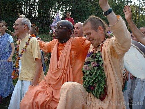 Bhakti Tirtha Swami During Rath Yatra