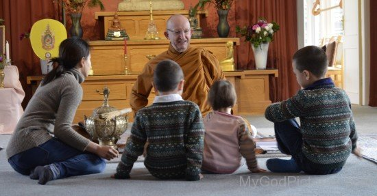 Ajahn Amaro Intracting With Children