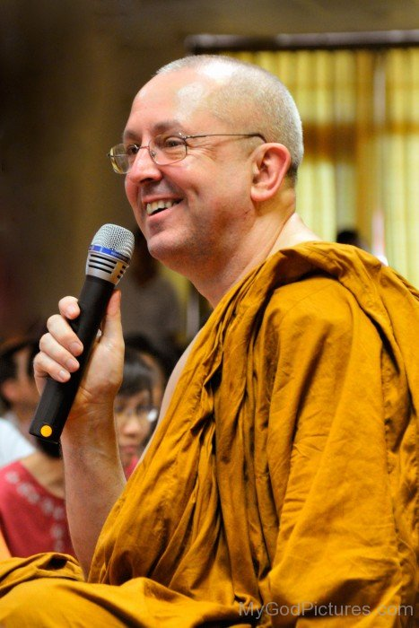 Ajahn Brahm On Mic