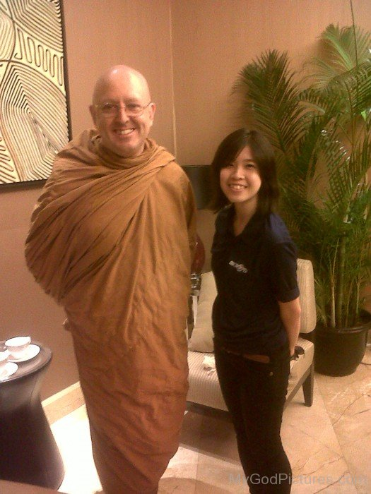 Ajahn Brahm With His Devotee