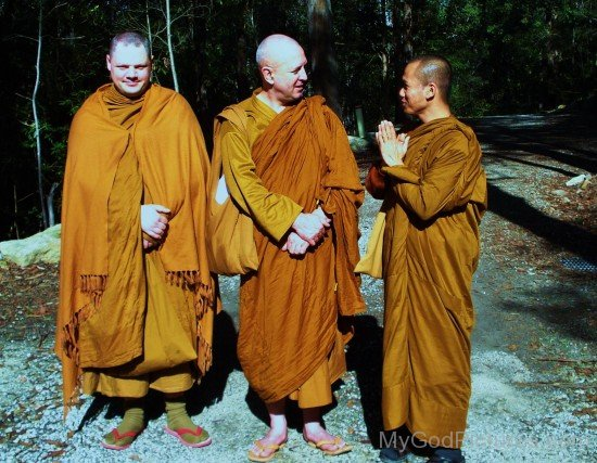 Ajahn Brahm With His Disciples