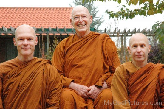 Ajahn Sumedho With Disciples