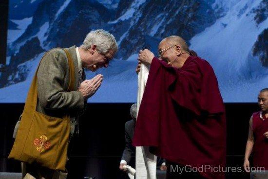 B.Alan Wallace Greets Dalai Lama
