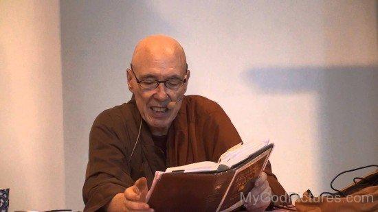 Bhikkhu Bodhi Reading Book