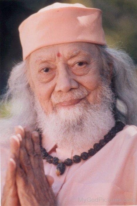 Hariharananda Giri Picture