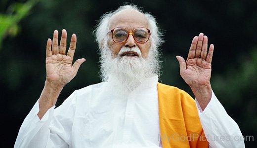 Image Of Vethathiri Maharishi Ji