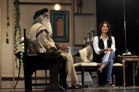 Jaggi Vasudev Ji With Juhi Chawla