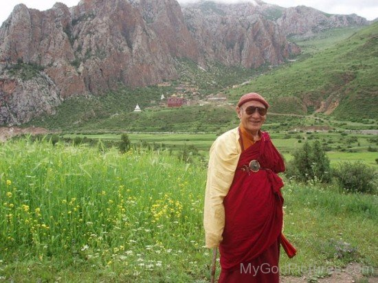 Karma Thinley Rinpoche Picture