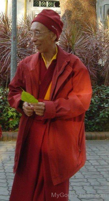 Kelsang Gyatso Holding Leaf