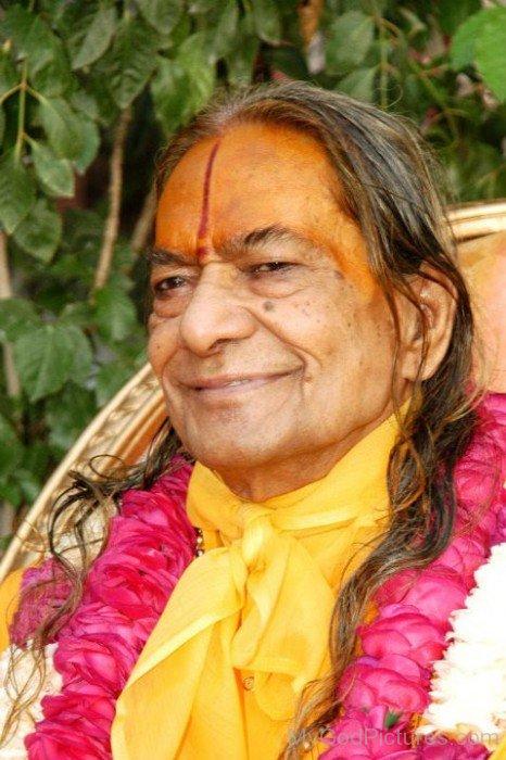Kripalu Maharaj Ji Smilling