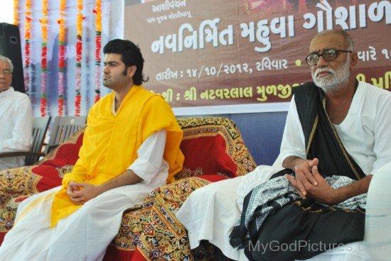 Morari Bapu And Parool Modi