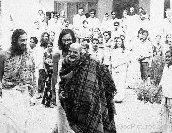 Neem Karoli Baba With Chandan Singh Bisht