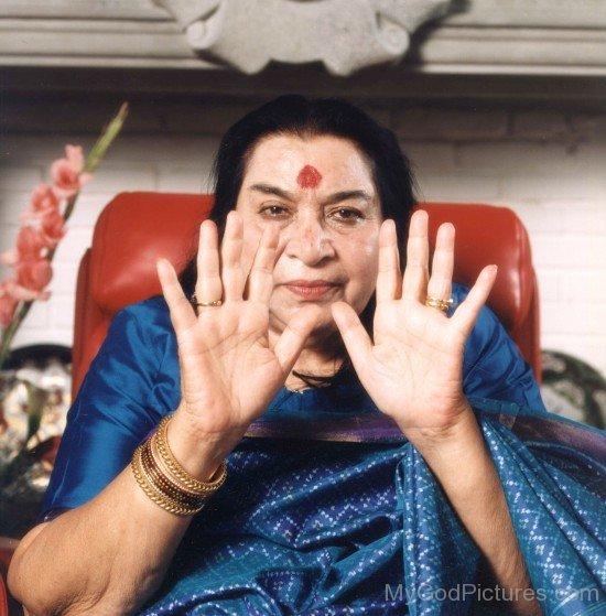 Nirmala Srivastava Image