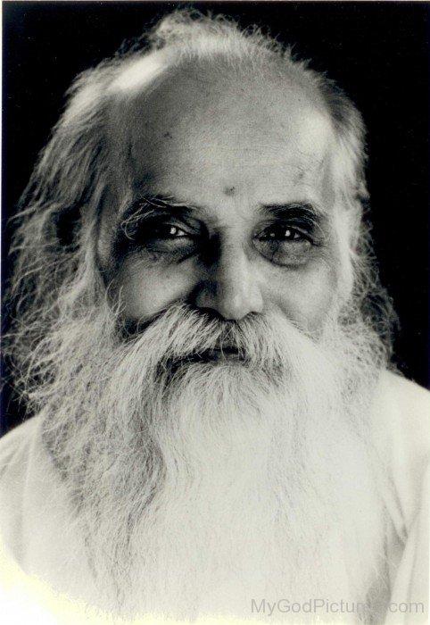 Picture Of Vethathiri Maharishi Ji