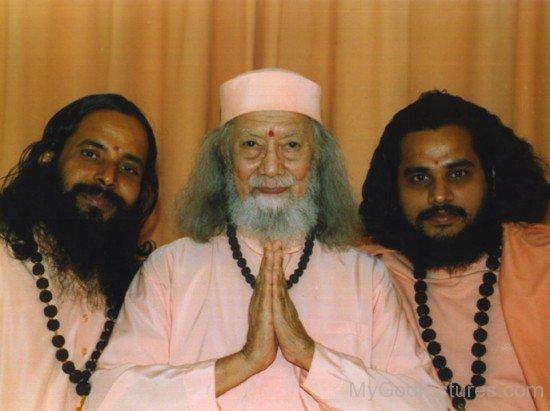 Prajnananandaji,Baba Hariharananda And Swami Shudhananda Giri