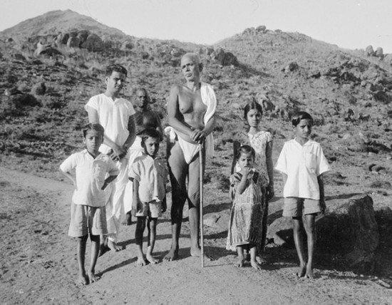 Ramana Maharshi With Childrens