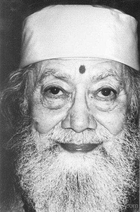 Rare Image Of Hariharananda Giri