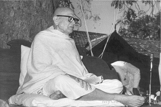 Rare Picture Of Kanji Swami  Ji