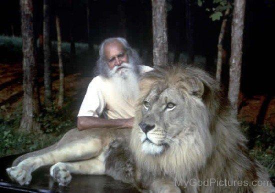 Satchidananda Saraswati With Lion