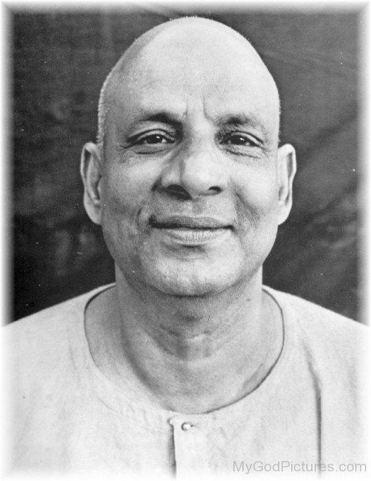 Sivananda Saraswati Image