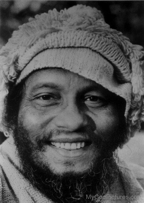 Swami Muktananda Ji Smiling