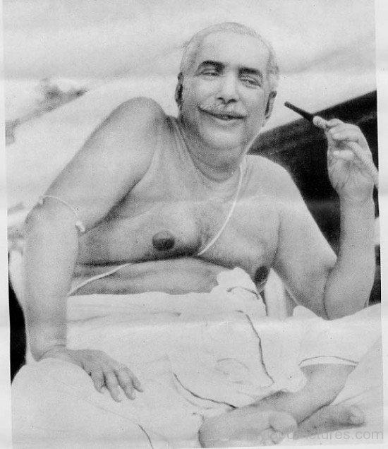 Thakur Anukulchandra Smiling