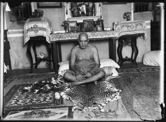 Upasni Maharaj In His Ashram