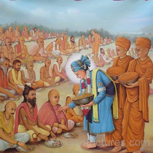 Bhagwan Swaminarayan Giving Food To Devotees