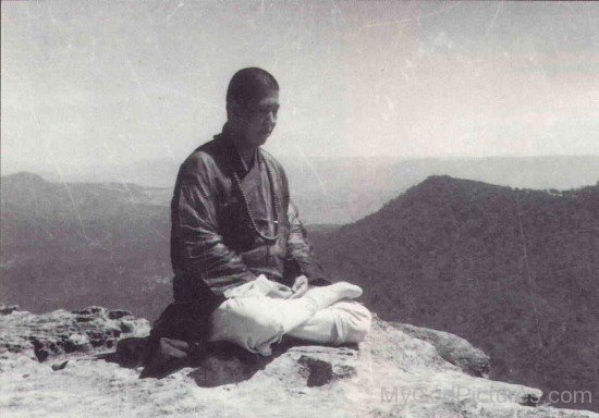 Rare Picture Of Hsuan Hua