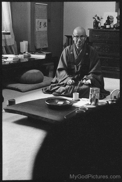 Shunryu Suzuki Picture