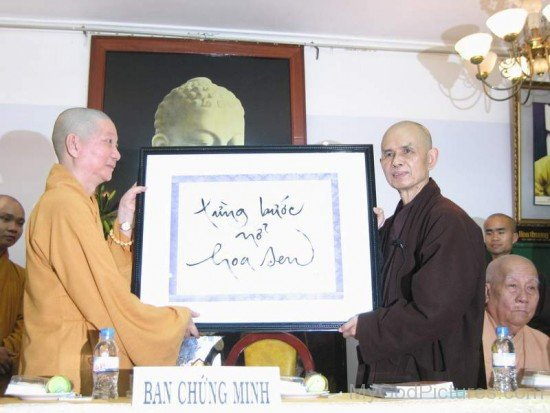 Thich Nhat Hanh Receiving Award From Han Hoan Ngay