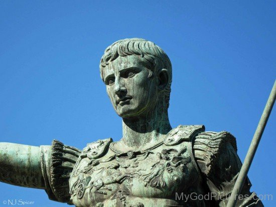 Augustus Photo