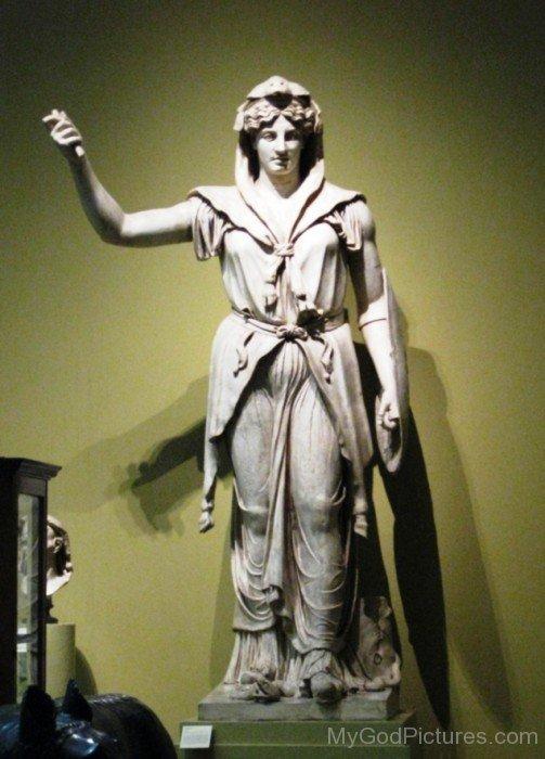 Goddess Juno Statue-up905