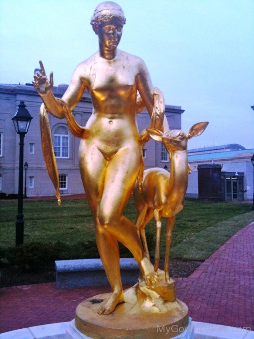 Golden Statue Of Diana And Deer-vc118