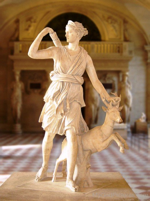 Statue Of Goddess Diana-vc122